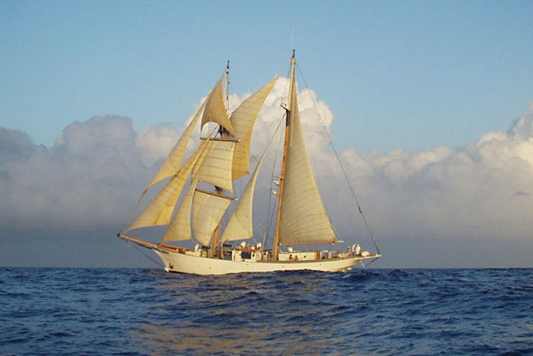 Full-Sail - University of Oregon Archives