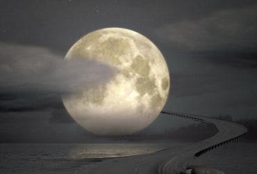 Moonlight_Drive_by_morestarinatthestars